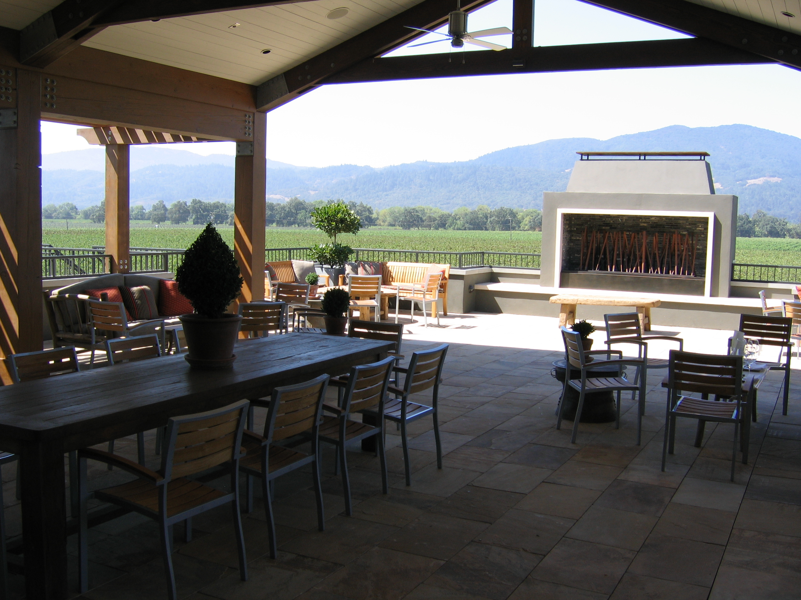 Round_Pond_Winery12